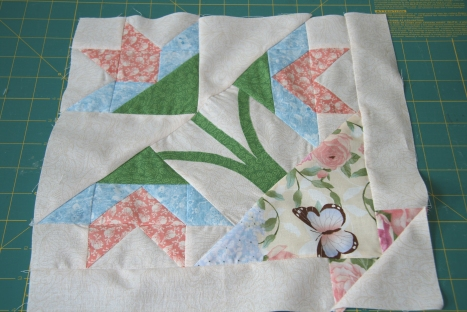 Saturday Sampler August Block - Floral Colorway